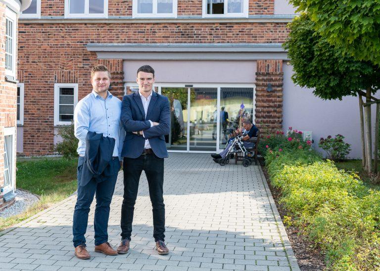Das Gründerteam des Plfegeplatzmanagers Chris Schiller und Alexander Bauch